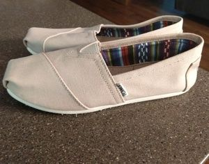 New Toms size 6.5